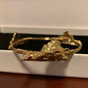Jewelry - NWOT VIRGINIA State Gold Bangle